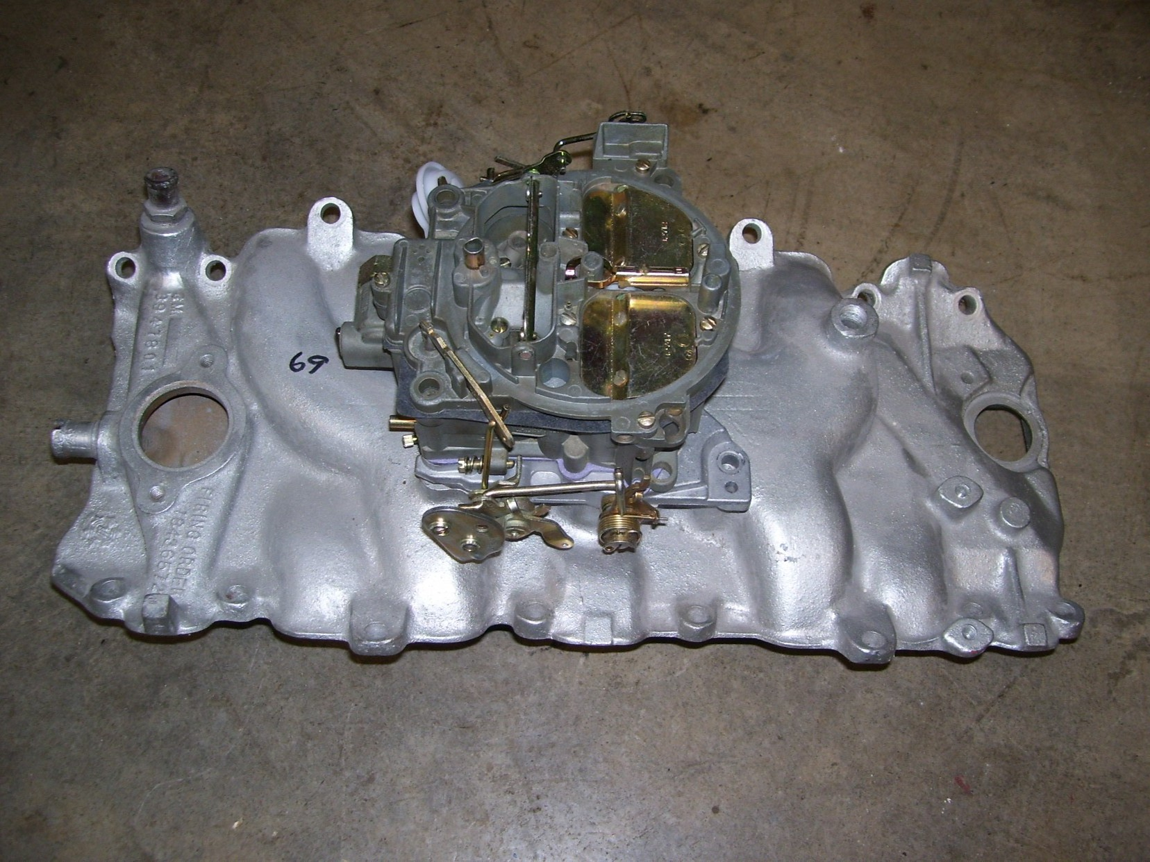 Snow Flake Corvette Intake And Rochester Carb