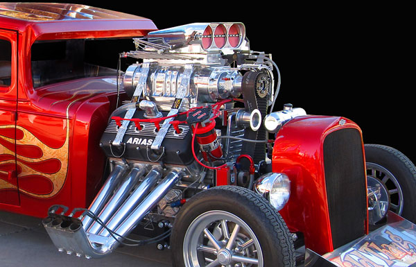 Phil And Mary Leatherman S Wild Thang Exhibition Rod Ilrates The Enormous Eal Of Arias Heads In Street Rods Over Top Hot