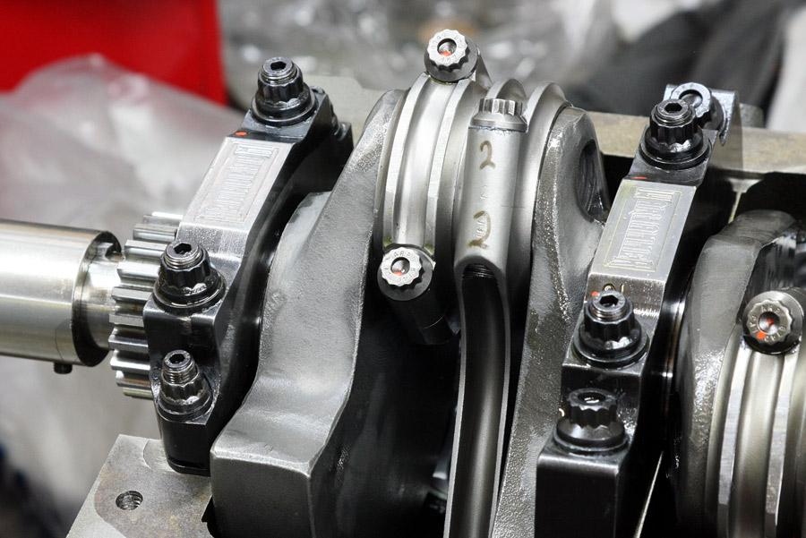Hot Rod Engine Tech Hardcore Horsepower's 692 HP 406ci Chevy - Hot