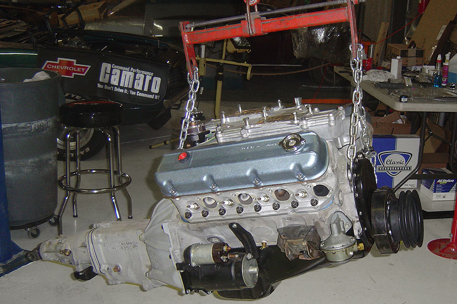 Hot Rod Engine Tech 1969 Z/28 Canted Valve 302 - Hot Rod
